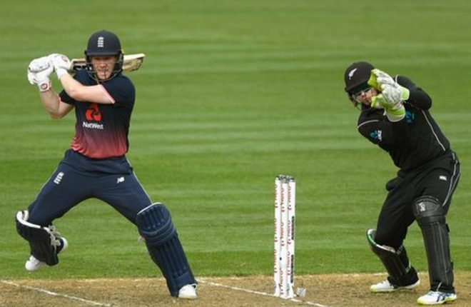 Eoin Morgan: England captain in squads for Scotland and Australia ODIs after breaking finger