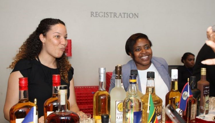 Delegates helping at the bar